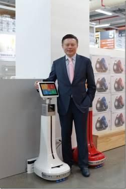 三緯國際進駐商場 推出3D列印手創空間與服務機器人 以科技提升購物體驗