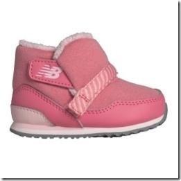 New Balance 4 Love童鞋 傳愛祝福 細緻保護