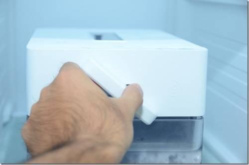 三星825公升對開大冰箱 藏鮮愛現門打造家人專屬藏鮮區