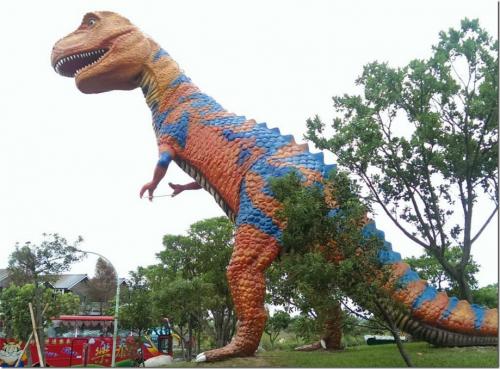 恐龍的法官?或者是恐龍的人們!