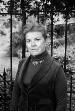 [Google Doodle] 百本著作的英國小說家 Joan Aiken 91 歲冥誕