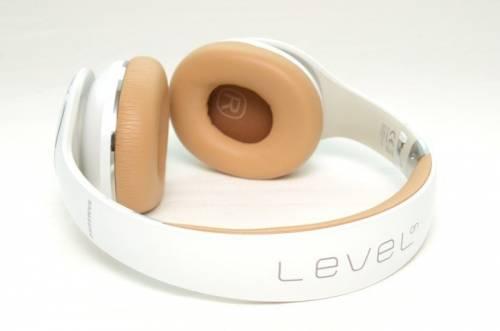 Samsung LEVEL on 便攜式耳罩耳機動手玩