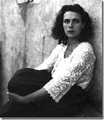 [Google Doodle] 超現實主義畫家 Leonora Carrington 98歲誕辰紀念