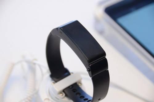 是耳機還是手環?HUAWEI TalkBand B2 動手玩!