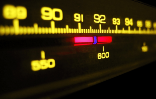 1916年發明廣播電台與收音機 百年最具影響發明