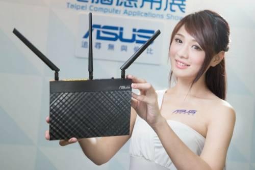 華碩應用展 全新手機平板ASUS Fonepad 7 FE375搶先登場