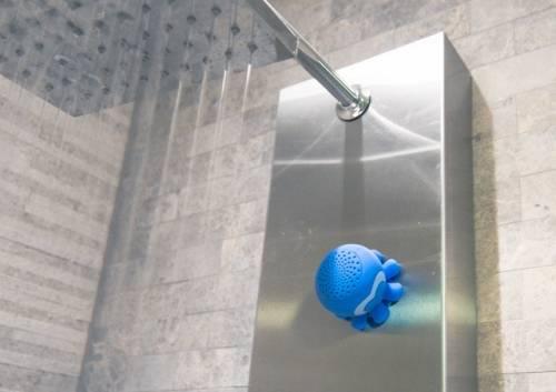 揚聲器化為可愛的海洋生物伴隨快樂的淋浴時光