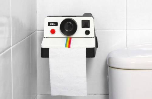 Polaroll Toilet Paper 廁所內搞偷拍?