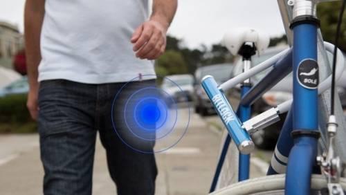 Smart lock 用智慧型手機 免鑰匙上鎖解鎖自行車