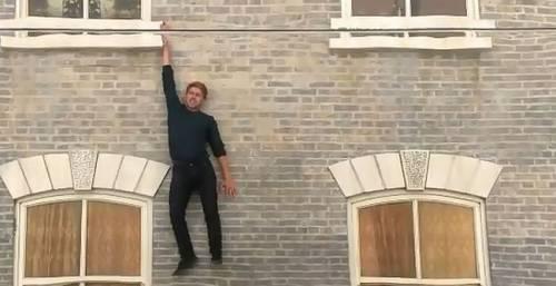 神奇之屋 Dalston House 請穿上蜘蛛人服裝再去拍照