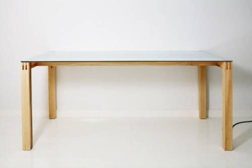 桌子會唱歌 你的桌子也可以嗎