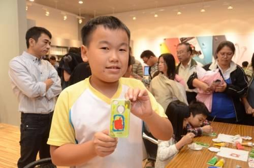 台中最大蘋果賣場 老虎城德誼數位開幕