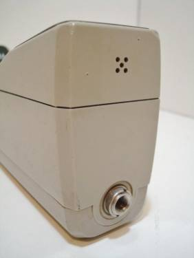 世上第一款手持行動電話 Motorola DynaTAC 8000X