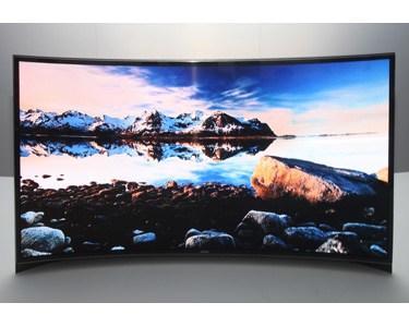 曲面UHD OLED電視 面面俱到的驚人視覺感受