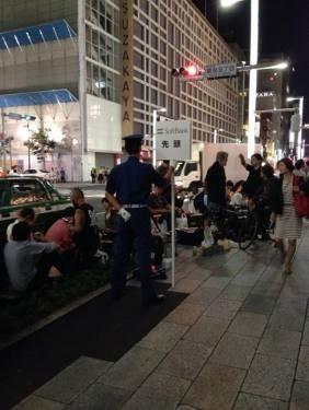 iPhone 5S 5C 開賣首日 日本排隊人潮依舊