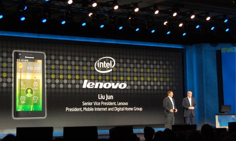 聯想推出首部Intel Atom 智慧手機 K800 CES2012實況報導
