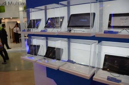 平板的殺戮戰場 其他品牌 HITACHI SG很正 - 2011 Computex Taipei 南港展覽館