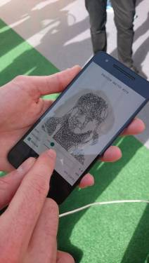 MWC也可以很活潑 Google的android experiments用線條機器來素描
