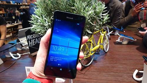 Microsoft Lumia 650悄悄亮相 Windows Phone 10界面簡潔清爽