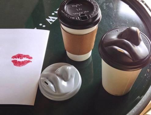 單身寂寞中?來用這接吻咖啡杯蓋