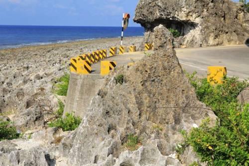 免排行程 說走就走!屏東小琉球 悠遊踏浪 海岸公路微旅行