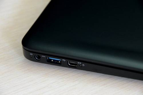 INHON CarbonBook不到一公斤 碳纖打造高CP值筆電