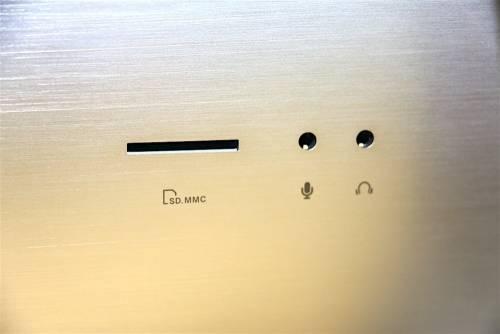 工作 遊戲 All in One 電腦 美型 ASUS Zen AiO Pro Z24IC 質感亮相