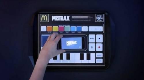 麥當勞一圓你的DJ夢!將科技托盤墊紙 化作DJ唱盤