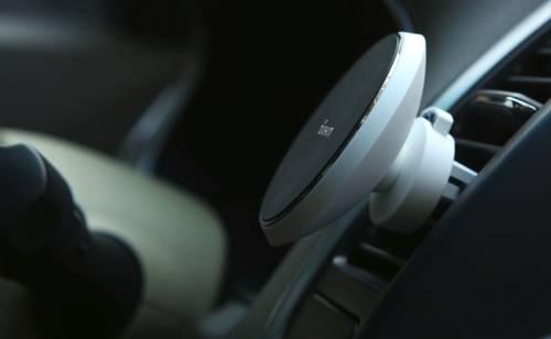 車載磁吸式無線充電器 一吸就充電